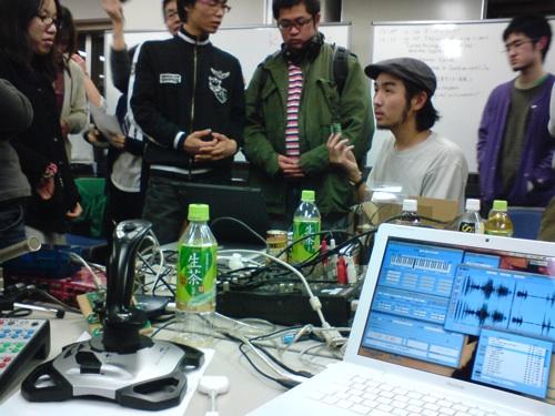 STEIM in Tokyo - Taku in focus